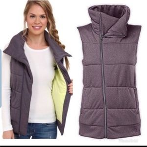 The north face puffer vest womens.